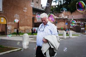Rome 2016 - man and bubble © Marco Salvadori
